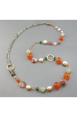 Chanel agata arancione, quarzo rutilato verde, perle coltivate, quarzo cipria