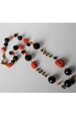 Collana corallo rosso, goccine e rosarietti  spinello nero, agata nera